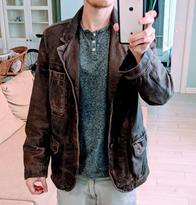 Leather Jacket / Chaqueta De Cuero