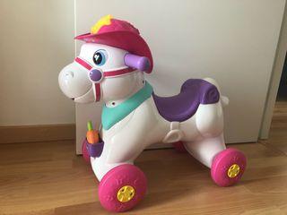 Correpasillos balancin caballo chicco