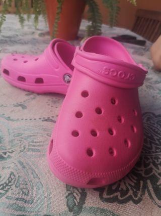crocs rosa