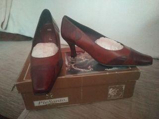 Zapatos sin estrenar en tonos marrones