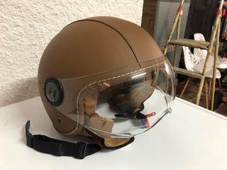 Casco de moto de cuero