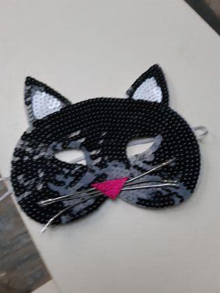 Mascara de gato