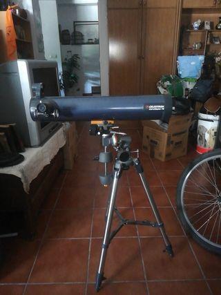 Telescopio Celestron AstroMaster 700mm/76 EQ C3103