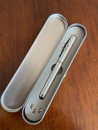 Puntero láser, linterna y lápiz táctil para tablet