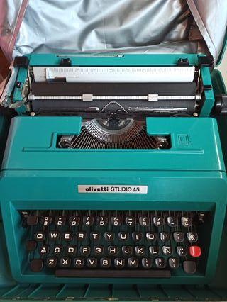 Máquina de escribir OLIVETTI 45