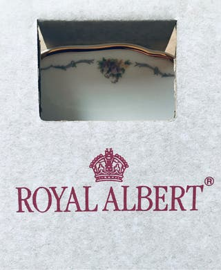 "COLLECTOR'S PLATE - ROYAL ALBERT - ""PANSIES"""