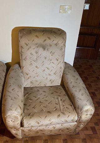 Sofa trisillo + 2 butacas