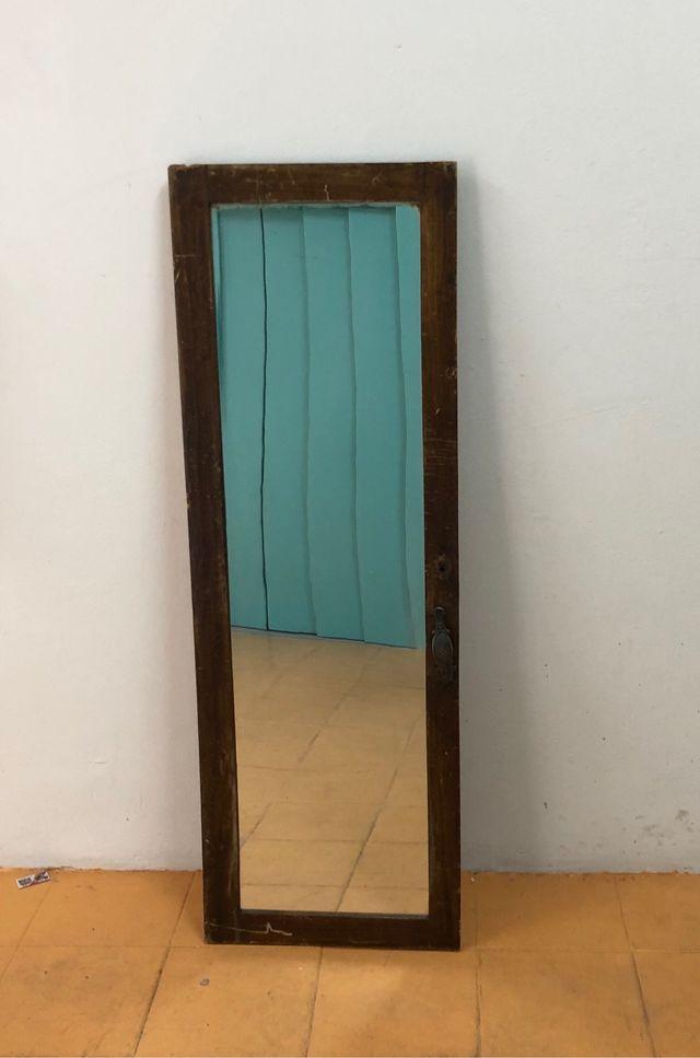 Puerta espejo
