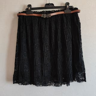 Falda negra bordada - Stradivarius