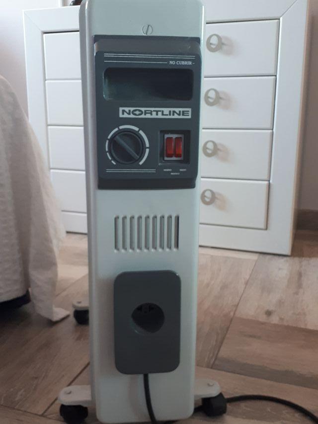 RADIADOR ELÉCTRICO PORTÁTIL CON RUEDAS