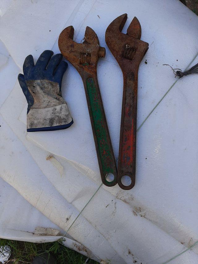 llaves inglesas 45cm.