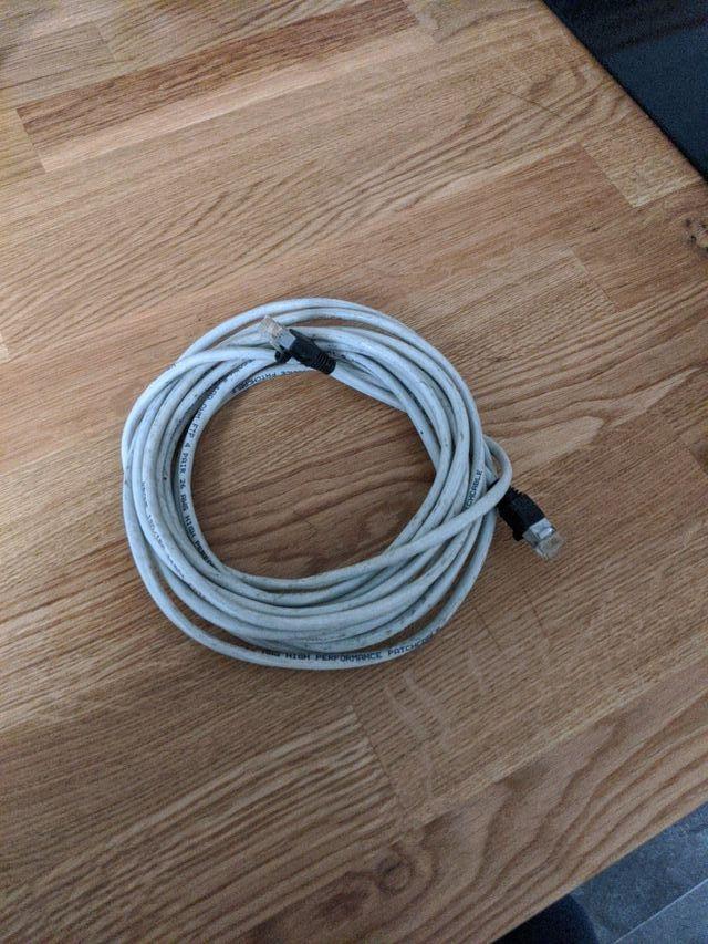 Cable de red largo categoría 5