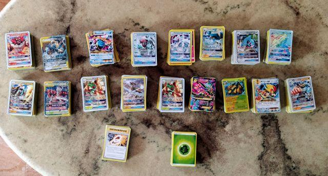 Lote 900 cromos Pokémon