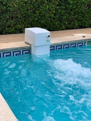 Equipo de natación contracorriente profesional