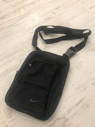 Bolsa Bandolera Nike ( a estrenar)