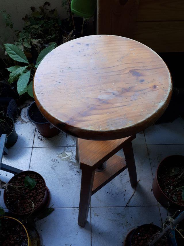 1 Taburete de madera vintage de rosca