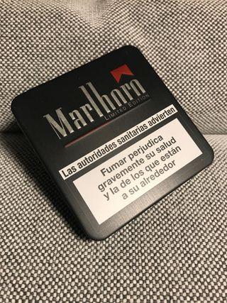 Pitillera Marlboro retro 2003