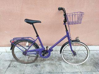 Bicicleta antigua para restaurar.