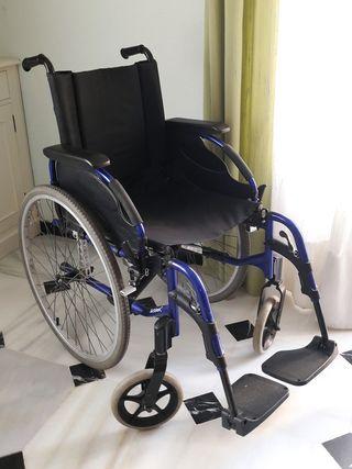 Silla de rueda de aluminio marca Invacare