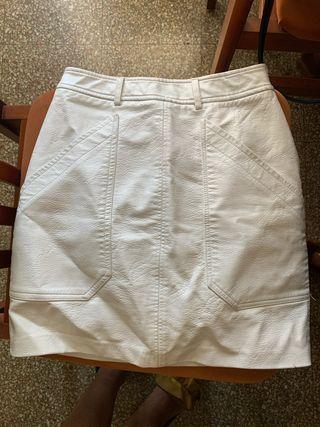 Falda cuero blanca