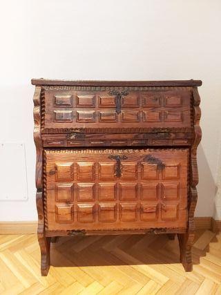 Mueble antiguo auxiliar