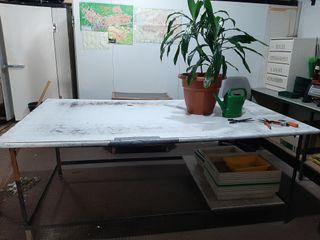 Mesa grande de trabajo