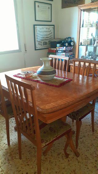 Mesa de comedor y 6 sillas años 60