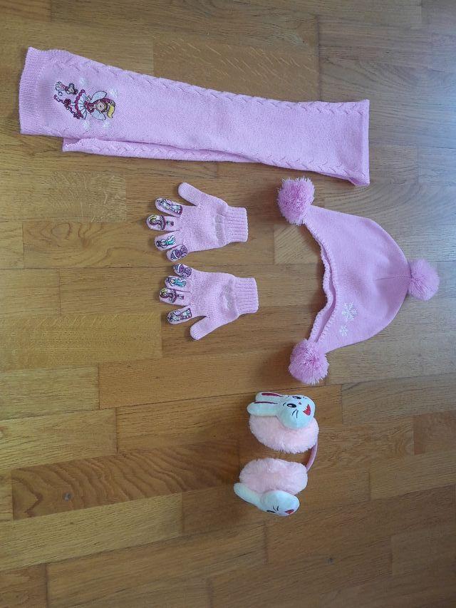 Lote bufanda, gorro, guantes y orejeras. Talla 4