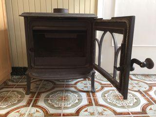 Estufa de llenya de ferro colat/Estufa de leña