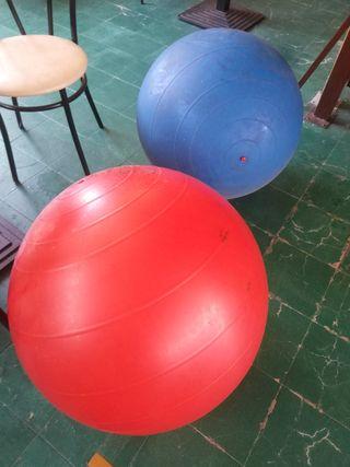 2 pelotas gigantes