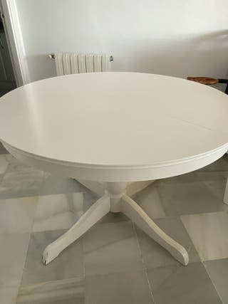 Mesa comedor redonda y 4 sillas