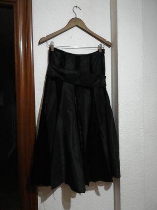Falda con tablas.