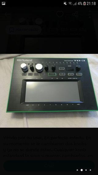 Sintetizador Bassline Roland Aira TB-3