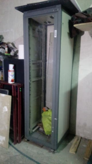 Rack instalación Fonestar 40U ruedas y ventilación