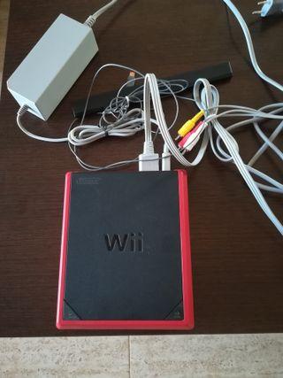 Wii mini y 2 mandos+ lunchacos