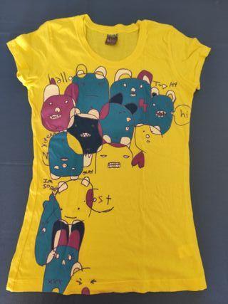 Camiseta amarilla estampada marca Lost