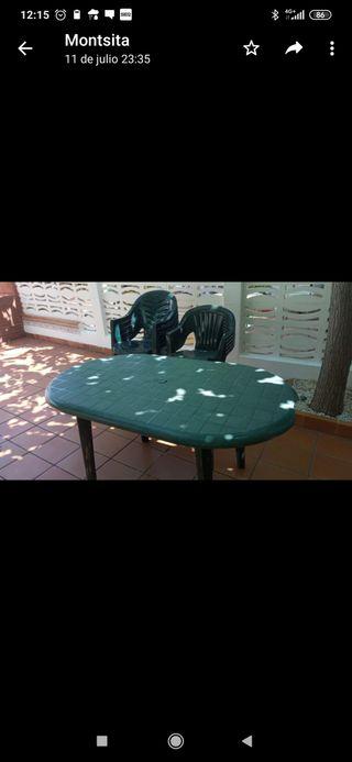 Mesa y sillas para terraza