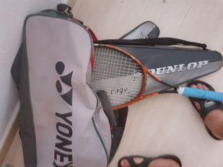 3raqueta de tenis con la borsa