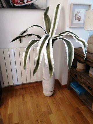 jarron decoración con planta
