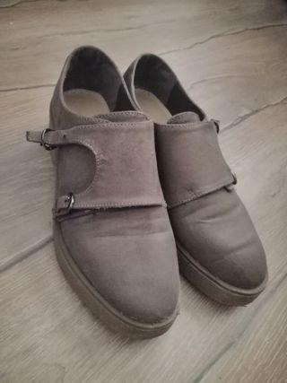 Zapatos Monk de Gamuza Feminina Gris Parduzco