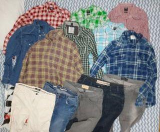 8 camisas + 4 vaqueros + 1 pantalón.
