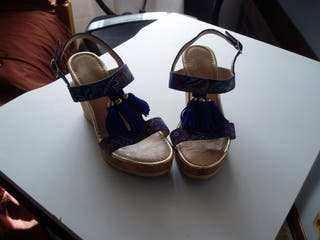 Sandalias cuñas preciosas n.36