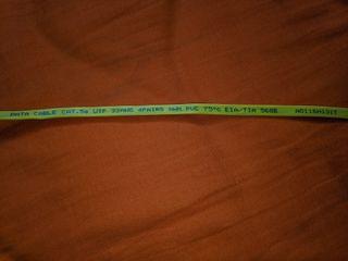 Cable de red CAT 5E plano, amarillo 1.5 metros