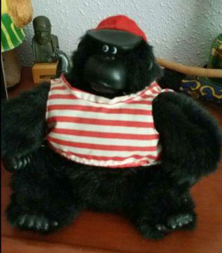 muñeco musical gorila