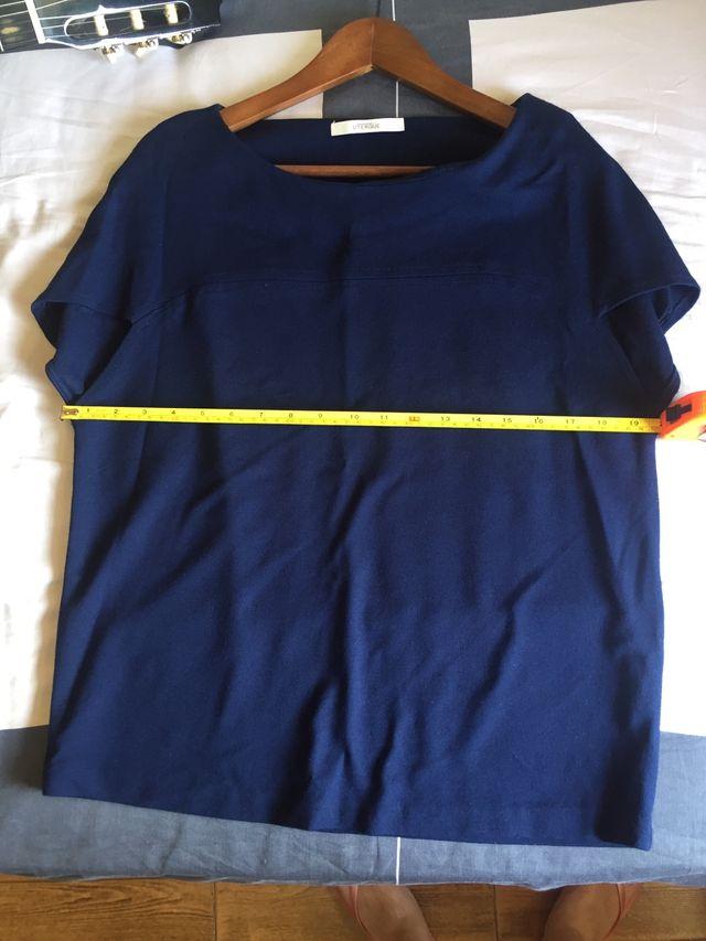 Camiseta azul Uterqüe