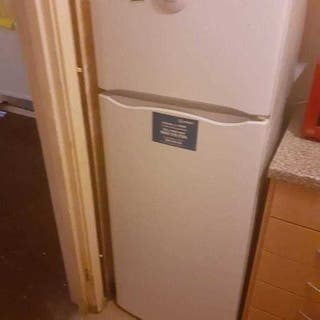 LARGE HOT POINT FRIDGE FREEZER FOR URGENT SALE