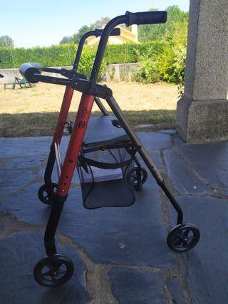 Andador geriatrico OGi-ROLL pro