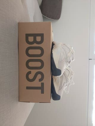 Nike Yeezy 700 Analog