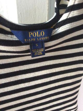 Vestido de Ralph Lauren con rayas blancas y negras