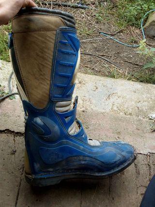 botas de cross o enduro en perfecto estado
